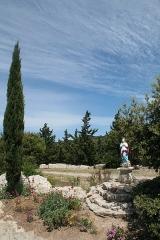 Ancienne abbaye Saint-Félix-de-Montceau - Français:   Gigean ( Hérault - France) - Abbaye Saint-Félix-de-Montceau - vierge dans le jardin