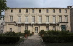 Ancien hôtel de Belleval, dit aussi Richer de Belleval ou Boulhaco, ou ancien hôtel de ville -  The Belleval Hall, built by the creator of the Botanical Garden, was a time town hall of Montpellier, before becoming an annex of the courthouse, devolved  to the labor court.