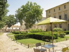 Ancien hôtel de Belleval, dit aussi Richer de Belleval ou Boulhaco, ou ancien hôtel de ville - English: The Place de la Canourgue in Montpellier, France.