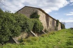 Ancien prieuré dit  château  de Cassan - Français:   Un batiment sur le coté Sud de l\'Abbaye de Cassan. Commune de Roujan, Hérault, Occitanie, France.