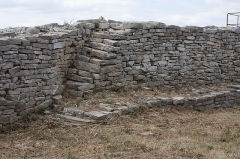 Oppidum d'Ambrussum -  Wall of the castrum..