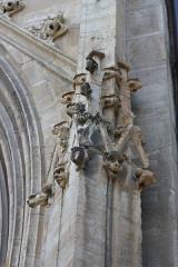 Cathédrale Notre-Dame et Saint-Privat - Deutsch: Kathedrale von Mende, Detail der Fassade