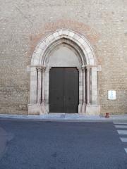 Eglise paroissiale Sainte-Eulalie et Sainte-Julie - Català: Portalada de l'església
