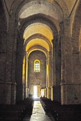 Eglise Saint-André de Sorède - Deutsch: St-André-de-Sorède, Schiff nach hinten