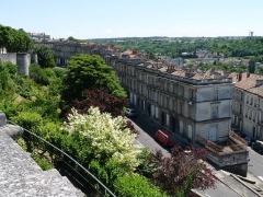 Remparts - English: Rempart Desaix (city wall, Clovis tower) and roofs, Angoulême, France