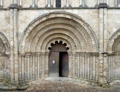 Eglise Saint-Jacques -  Aubeterre-sur-Dronne church 02