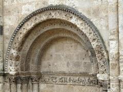 Eglise Saint-Jacques -  Aubeterre-sur-Dronne church 03