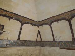 Château - Deutsch: Wandmalerei in einem Raum im Untergeschoss des Wohntrakts im Château de Bouteville