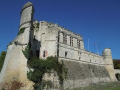 Château - Deutsch: Das Château de Bouteville, Ostseite des Wohntrakts