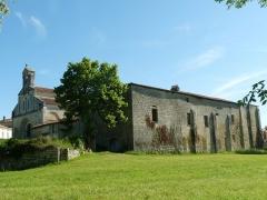 Prieuré Saint-Jean-Baptiste - Français:   Eglise et ancien prieuré de Ronsenac (Charente, France); vue du sud