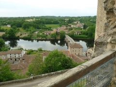 Ruines du château - Français:   vue depuis le château de St-Germain-de-Confolens, Charente, France