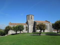 Eglise Saint-Pierre - Deutsch: Die katholische Pfarrkirche Saint-Pierre in Échebrune