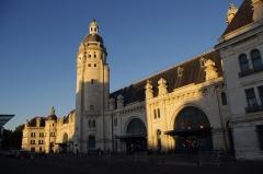 Gare - Polski: Dworzec w La Rochelle.