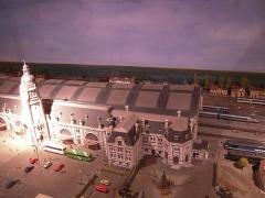 Gare -  On peut voir, entre autre,  la célèbre maquette de la gare de La Rochelle, au musée des modèles réduits.
