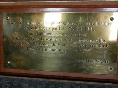Hôtel de ville - Plaque reprennant une citation de Francois MITTERRAND, Président de la République sur la ville de la ROCHELLE, le 4 novembre 1983