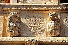Maison - Deutsch: La Rochelle, zwei Büsten