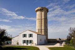 Vieux Phare des Baleines et phare des Baleineaux -  Tour (phare) Vauban de la pointe des Baleines, restaurée en 2007 - Île de Ré
