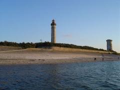 Vieux Phare des Baleines et phare des Baleineaux -  Île de Re, Leuchtturm der Wale (Phare des Baleines) von der Fischschleuse aus fotografiert am 14.06.2005 von User:Ile-de-re