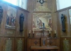 Eglise Saint-Martin dite Le Grand Fort - Français:   Monument à la mémoire des prêtres depôrtés; Intérieur de l\'église Saint-Martin de Saint-Martin-de-Ré; Île de Ré, France