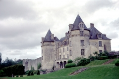 Château de la Rochecourbon - Français:   Façade Sud-Ouest du Château de la Roche-Courbon.     Château de la Roche-Courbon, Saint-Porchaire, Charente-Maritime, France.
