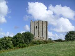 Tour de Broue -  La silhouette de la tour de Broue
