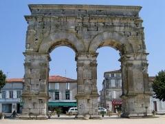 Arc de Triomphe -  Charente-Maritime Saintes Arc Germanicus