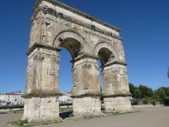 Arc de Triomphe - Français:   Arc de Germanicus, Saintes, Charente-Maritime, France