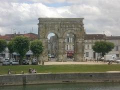 Arc de Triomphe - Français:   l\'arc de triomphe romain en Saintes