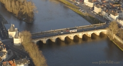 Pont Henri IV -  Vue aérienne oblique sud du Pont Henri IV, à Châtellerault.