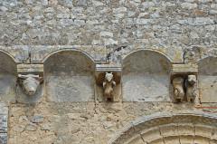 Eglise Saint-Gervais Saint-Protais - Deutsch: Civaux, Kirche, Fassade, Kragsteine