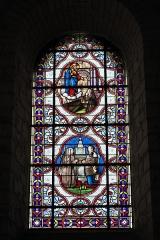 Eglise Notre-Dame-et-Saint-Junien - Deutsch: Kirche Notre-Dame-et-Saint-Junien in Lusignan im Département Vienne (Nouvelle-Aquitaine/Frankreich), Bleiglasfenster