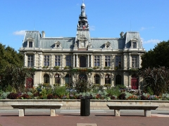 Hôtel de ville -  This file has no description, and may be lacking other information.  Please provide a meaningful description of this file.