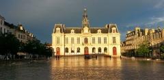 Hôtel de ville -  Un rayon de soleil sur Poitiers, après la tempête