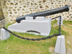 Fort Napoléon - English: Cannon