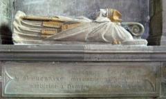 Eglise - Français:   tombeau de St Eucaire.