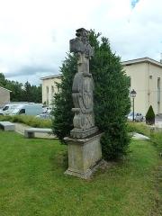 Eglise Saint-Pantaléon - Français:   Commercy  cimetière de l\'église P1060960