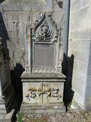 Eglise Saint-Pantaléon - Français:   Commercy cimetière de l\'église tombe de JB Tetu.