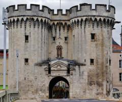 Porte Chaussée (porte et passage entre deux tours) - Deutsch: Chaussée-Tor, Verdun, Département Meuse, Region Lothringen (heute Grand Est), Frankreich