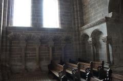 Abbaye - Français:   Hesse 57 arcature