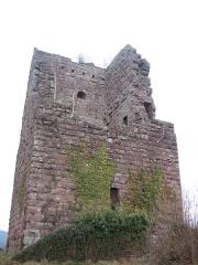 Ruines du château -  Tour carrée du Château de Lutzelbourg (France)