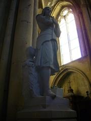 Eglise Saint-Vincent - Français:   Église Saint-Vincent de Metz (Moselle, France); statue en pied de Jeanne d\'Arc