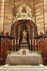Eglise Saint-Nabor - Deutsch: Ehemalige Abteikirche St. Nabor in St. Avold, Hochaltar mit der Statue des heiligen Nabor