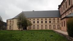 Ancienne abbaye - Français:   Emplacement de l\'ancien cloître (détruit)