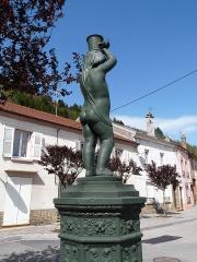 Onze fontaines - Français:   Raon-l\'Etape (Vosges): Fontaine de l\'Enfant, située rue de Wessval. C\'est l\'une des 11 fontaines de Raon-l\'Etape exécutées entre 1860 et 1864 sur des modèles de Jean-Jacques Ducel, et classées MH