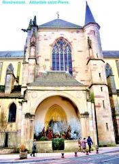 Abbaye - Façade Ouest de l'église abbatiale de la ville de Remiremont.  Vosges.