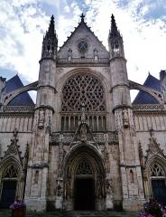 Eglise Saint-Eloi - Deutsch: Fassade der Kirche St. Éloi, Dünkirchen, Département Nord, Region Oberfrankreich (ehemals Nord-Pas-de-Calais), Frankreich