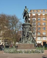 Statue de Faidherbe - Nederlands: Het standbeeld van generaal Louis Faidherbe door Antonin Mercié  in Rijsel  (Frankrijk).