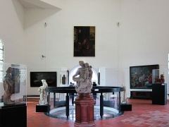Hôtel de ville - L'intérieur du musée municipal de la tour abbatiale de Saint-Amand-les-Eaux.
