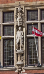 Hôtel de ville - English: Town hall of Dunkerque - statue of Armand Charles Guilleminot