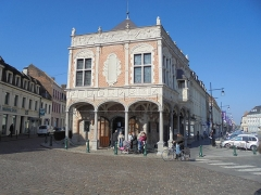 Ancien bailliage - Nederlands: Ancien bailliage - L'Office de Tourisme - Grand Place - Aire-sur-la-Lys - canton Aire-sur-la-Lys - arrondissement Saint-Omer - département Pas-de-Calais - région Hauts-de-France - France